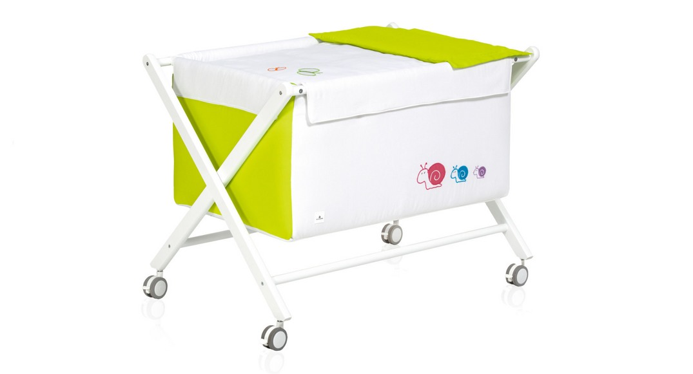 mini cuna bebé madera infantil 670-25123 montada con ruedas