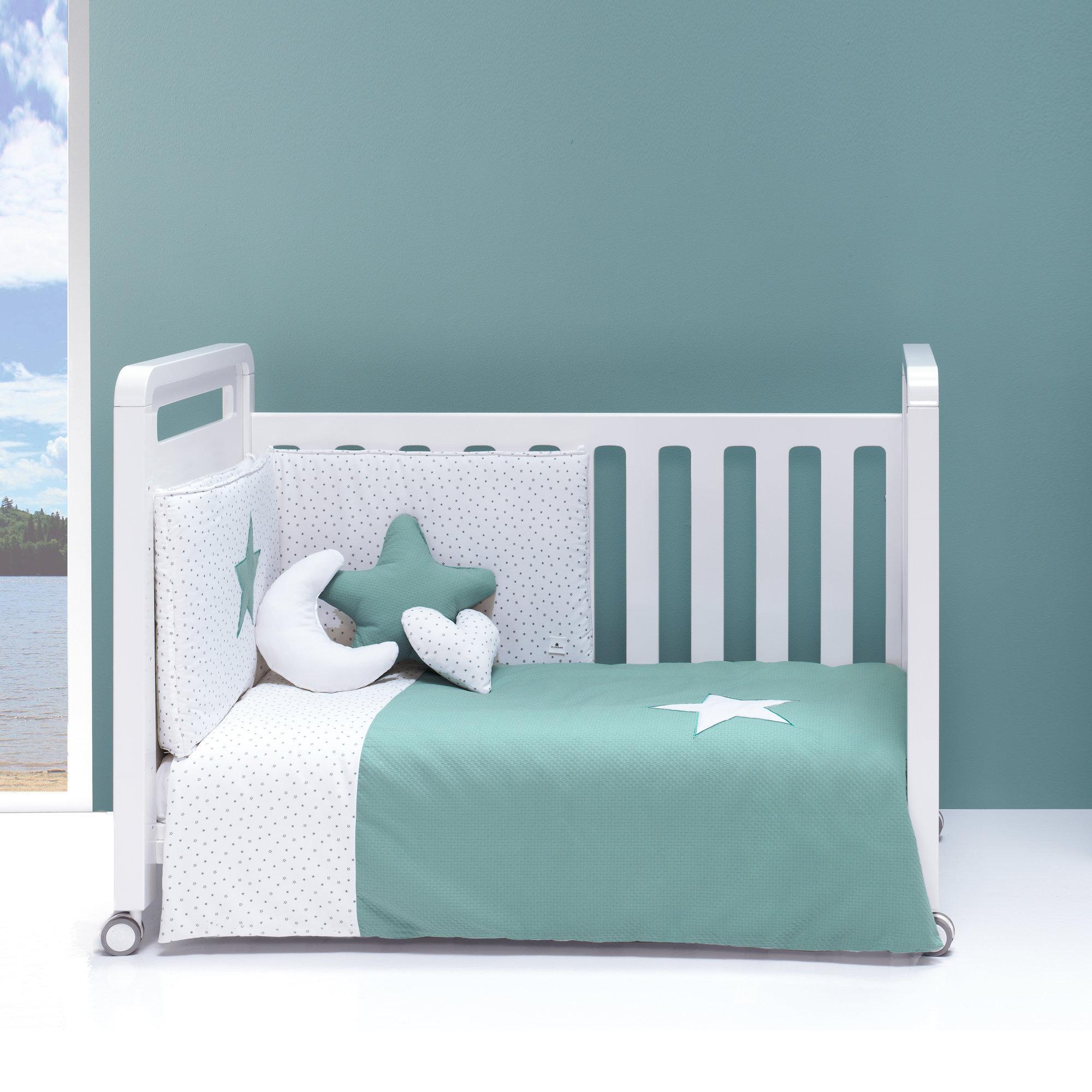 Colección textil para cuna de bebé en color verde agua turquesa