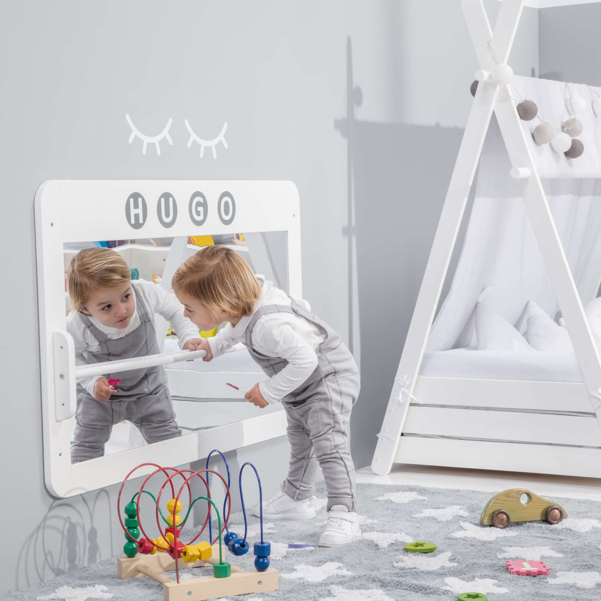 Espejo Montessori en blanco mate