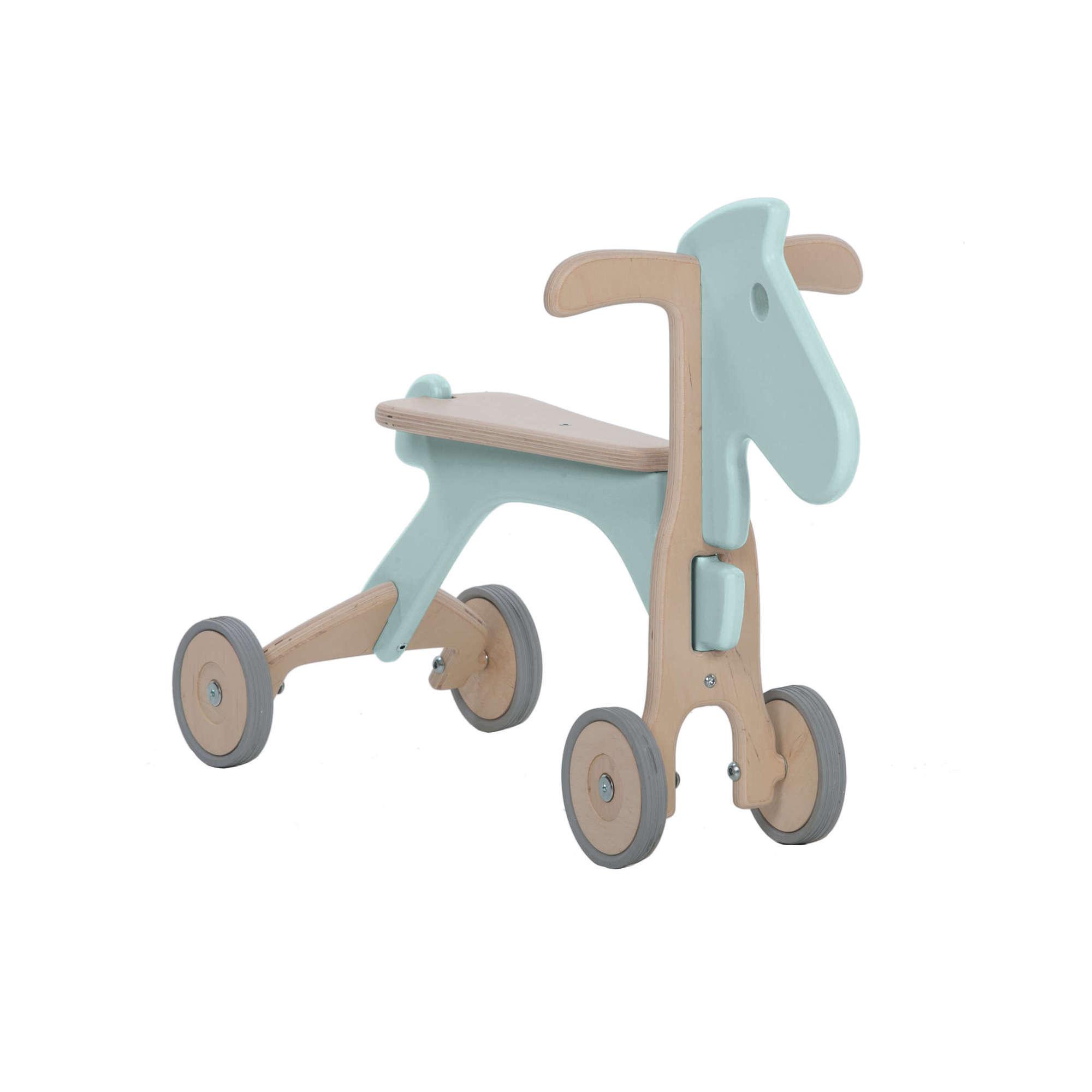 Caballito con ruedas de madera