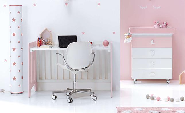 Cuna-escritorio 2en1 de tamaño 60x120cm en color beige