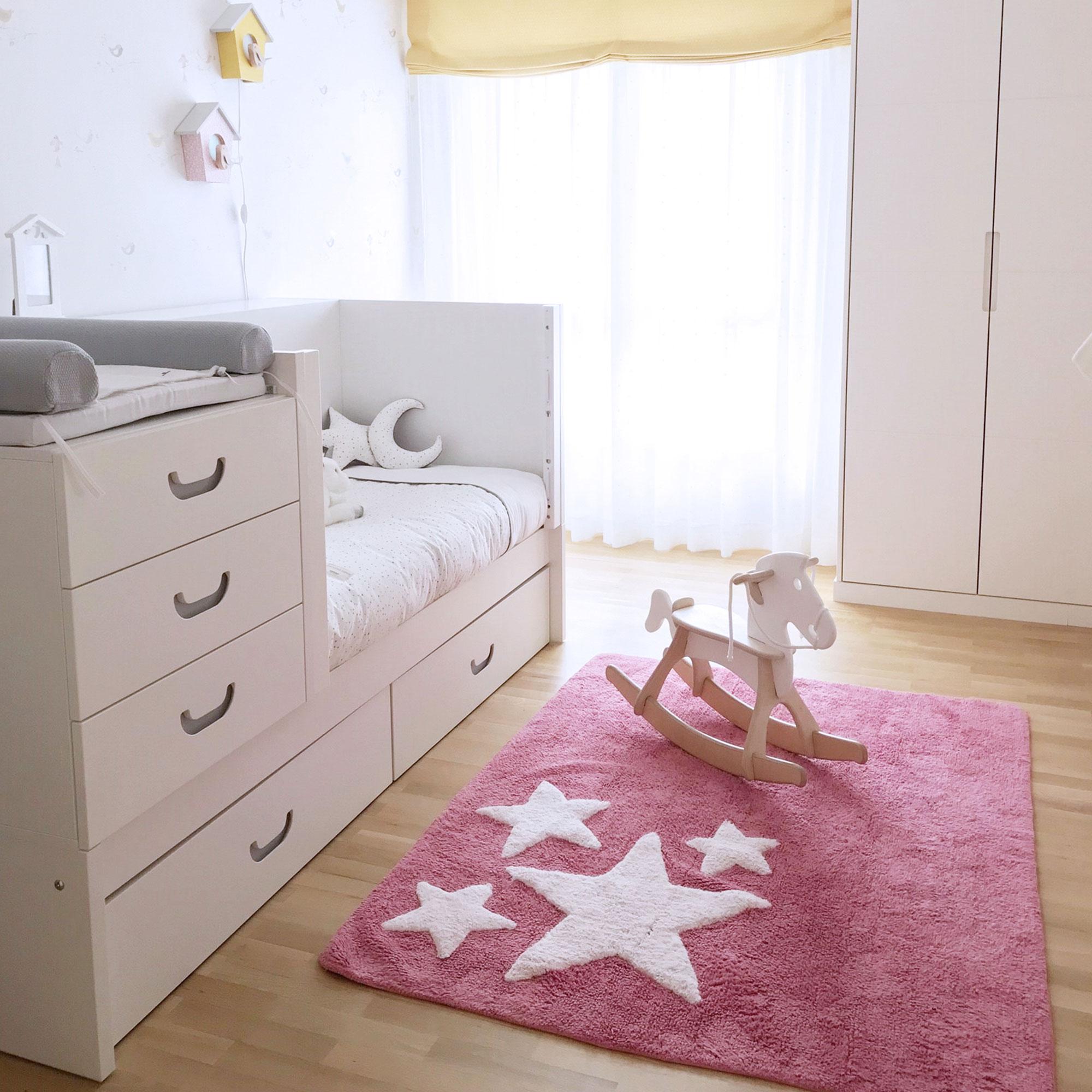 Habitación infantil con cuna evolutiva